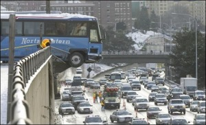 bus_crash_snowpocalypse08